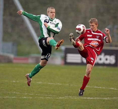 Teemu Pukki on Kotkan poikia. Liigaura alkoi FC KooTeePeen riveissä 2006. Ensimmäisen liigamaalinsa Pukki teki 3. toukokuuta 2007 FC Viikinkien verkkoon.