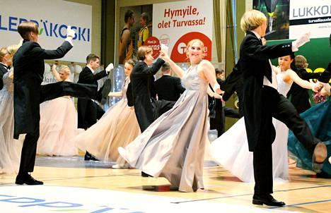 Nokian lukion vanhojen tanssit tanssittiin viime vuonna 7. helmikuuta. Tänä vuonna Nokialla tanssitaan vasta toukokuussa.