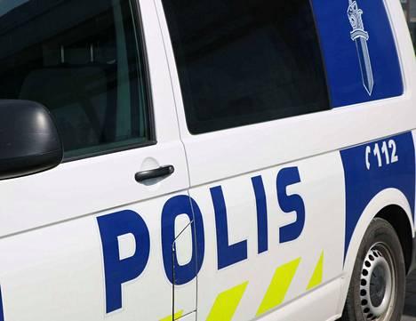 Ylinopeutta Ysitiellä kaahannut autoilija jäi poliisin haaviin torstaina alkuillasta.
