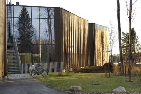 Matka suuntautui Mänttään Serlachius museoihin, joista kuvassa Gösta-museo.