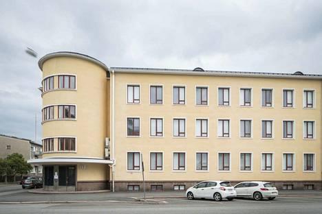 Porin Suomalaisen Yhteislyseon koulu.