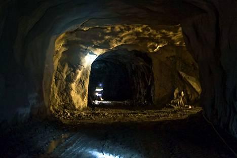 Oriveden kultakaivoksen kaivoskuilut ulottuvat syvimmillään 1 200 metrin syvyyteen.
