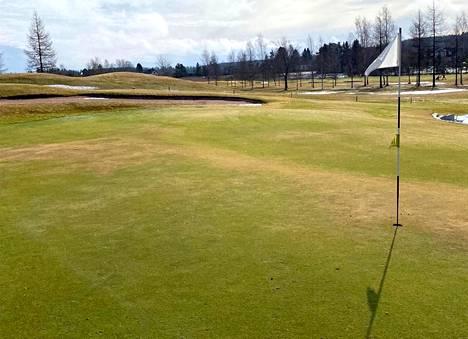 Nokialla golfkausi alkoi tiistaina 30. maaliskuuta keväisissä olosuhteissa.