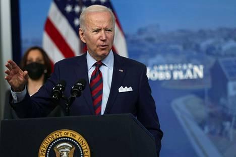 Vaalikampanjansa aikana Joe Biden lupasi puuttua aseväkivallan ongelmaan heti ensimmäisenä päivänään virassa.
