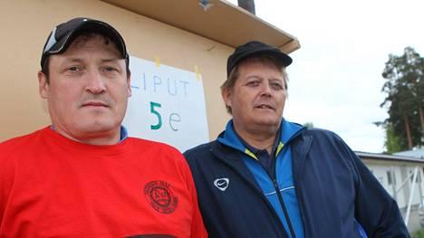 Kimmo Kinnunen ja Seppo Räty ovat veistelleet keihäänheitosta usein kilpaurien jälkeenkin. Tämä on vuodelta 2012.