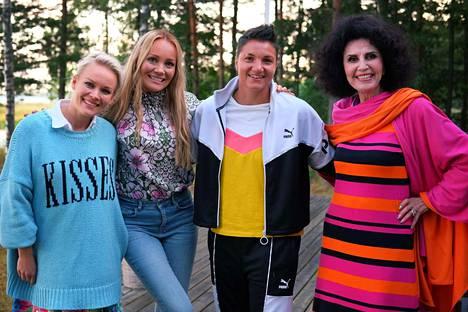 Anna Puu, Marja Hintikka, nyrkkeilijä Elina Gustafsson ja Lenita Airisto ovat mukana.