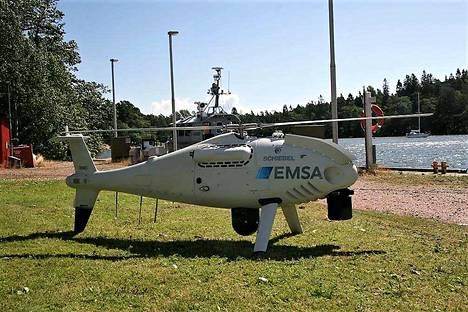 Kuvan mukaisen laitteen lentämiseen Saaristomerellä ei Rajavartiolaitoksen mukaan tarvitse reagoida. Mittaa miehittämättömällä aluksella on neljä metriä.