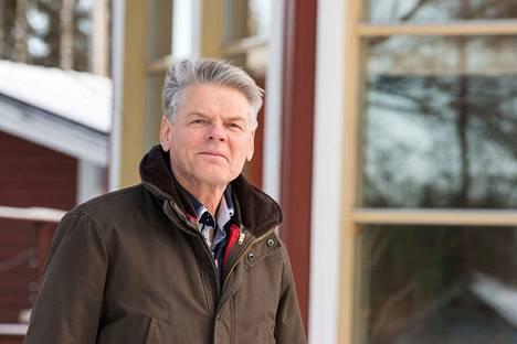 Kolholainen Harri Mikkonen tekee vapaaehtoistyötä.