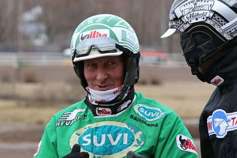 Vihtiläinen Ari Moilanen ohjasti Teivon tiistairaveissa kolme voittoa.