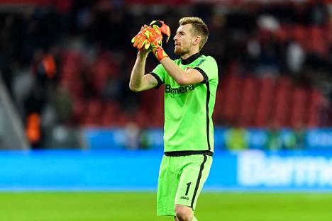 Lukas Hradecky pelasi uransa ensimmäisen nollapelin Mestarien liigassa.