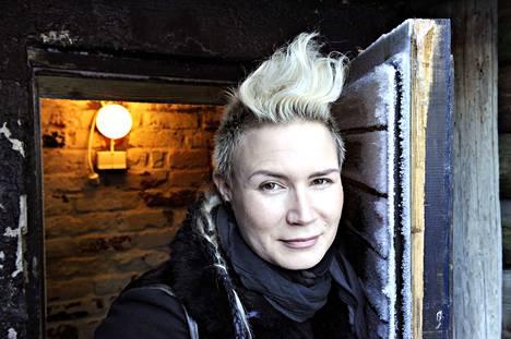 Jenni Ahtiainen on tullut tunnetuksi gTie-asustemerkistä.