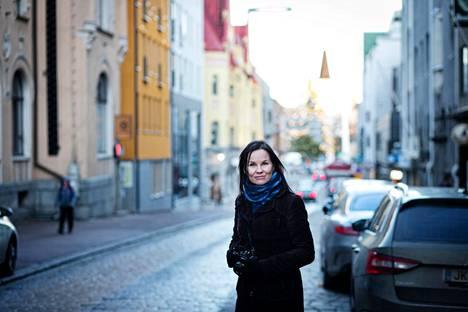 Marisha Rasi-Koskisen REC voitti viime vuonna Tulenkantajan, nyt oli Runeberg-palkinnon vuoro.