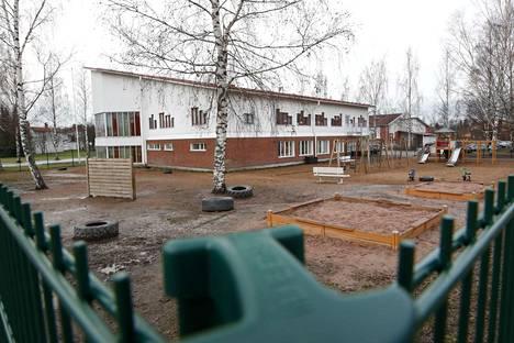 Sivistystoimen mielestä Peltotiellä sijaitseva päiväkoti ei ole kelpo rakennus, teknisen toimialan mielestä on.