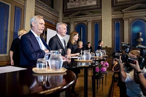 Pääministeri Antti Rinteen hallituksen ensimmäinen tiedotustilaisuus.