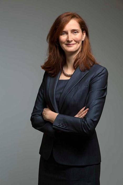 Metsäteollisuusyhtiö Stora Enso on nimittänyt Annica Breskyn, 44, konsernin uudeksi toimitusjohtajaksi joulukuusta alkaen.
