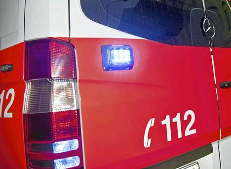 Tulipaloa sammuttamaan hälytettyjen palomiesten tehtäväksi jäi varmistaa, ettei asukkaiden sammuttama palo ehtinyt mennä talon rakenteisiin.