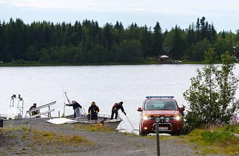 Kone putosi Storsandskärin saarelle Uumajanjoessa, joka on Pohjois-Ruotsin suuria jokia.
