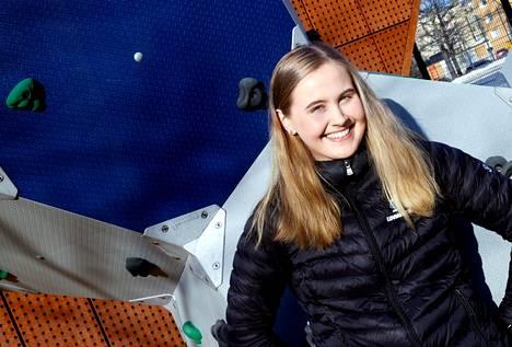 Inka Laivonen pitää luvialaisten lippua korkealla Luvian Kiekon ringettejoukkueessa. Viikonloppuna hän johdattaa LuKin Ykkössarjan loppuotteluihin.