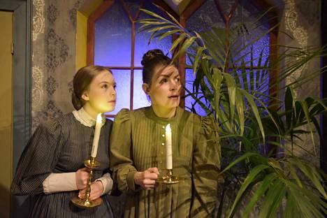Nokian työväen teatterin talvikauden näytelmä Linnaisten kartanon vihreä kamari.