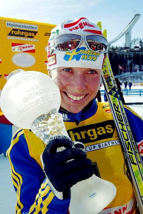 Ruotsin Magdalena Forsberg on toistaiseksi kahden voiton päässä Kaisa Mäkäräiseltä maailmancupin palkintopallisijoituksissa.