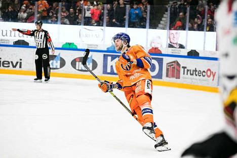 Alexander Ytterell  viime kauden ottelussa Tappara-paidassa Sportia vastaan.