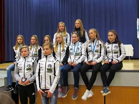 Valkeakosken Haka sai henkilökohtaisten kilpailujen perustella Hopeasompa-finaalien parhaat pisteet. Tämä joukko sen teki.