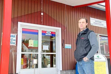 Hiljattain yrittäjä Markku Kivilahti remontoi Konetuorilan myymälätiloja.