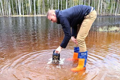 Matti Rautkivi näyttää, miten helposti Potturi toimii.