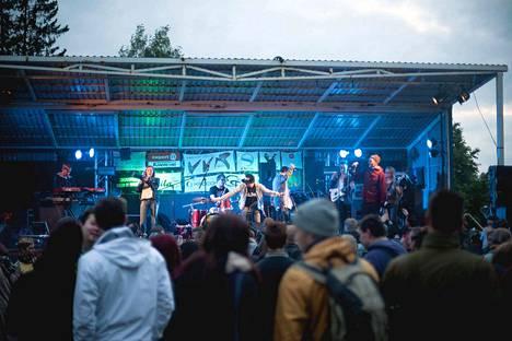 Vastavirtarock järjestetään kesäkuussa 14. kerran. Viime kesänä kokemäkeläisfestarilla esiintyi muun muassa Funksons.