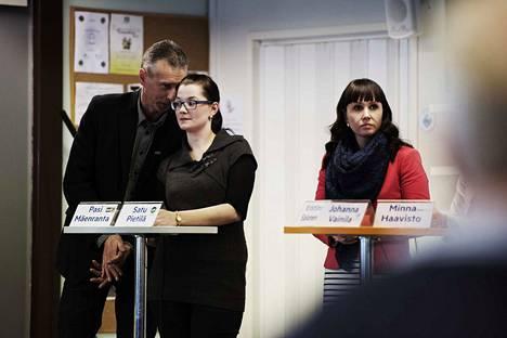 Pasi Mäenranta (ps.), Satu Pietilä (kesk.) ja Kristiina Salonen (sd.) osallistuivat Satakunnan Kansan vaalitilaisuuteen Raumalla järjestötalossa vuona 2015. Pietilä sai tuolloin eduskuntavaaleissa 629 ääntä.