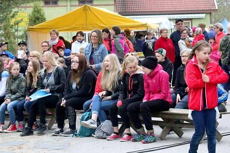Läntisen Keski-Suomen Kulttuurikesän avajaiset vetivät väkeä Multian keskustaan heti aamusta alkaen.