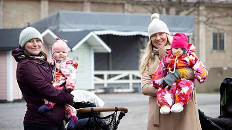 Tampere Missio järjestää muun muassa perhetoimintaa pienten vauvojen vanhemmille. Viikoittain toiminnassa on noin sata perhettä. Nina-Maria Rannan ja Kirsti Kuikan ryhmä kävi keväällä Tallipihalla vaunulenkillä.