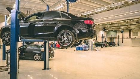 Mikan ja Anssin Autohuolto huoltaa kaikki autot ammattitaidolla.