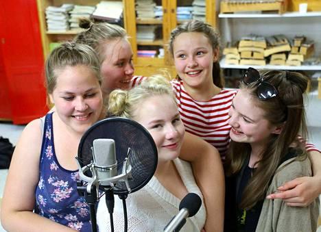 Isompien ryhmän Helka Sipilä, Enni Uittamo, Helmi Rahkonen, Liinu Salo ja Seela Viitala tiesivät tarkkaan, kuinka heidän kappaleensa tulee tehdä.