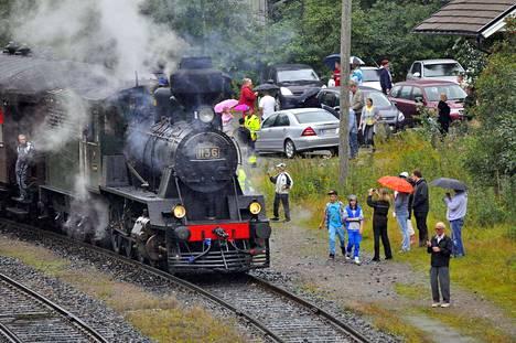 Haapamäen Pikku-Jumbo on vetänyt museojunaa Toijalan ja Koskin välillä monen vuoden ajan. Valkeakosken asemalla on höyryveturia saanut ihailla ja ihmetellä lähes vuosittain.