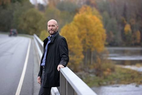 Juha Suikkasen ensimmäinen havainto Nakkilasta oli kunnan kompakti koko ja auringonkukkapellolle pysähtyneet ihmiset.