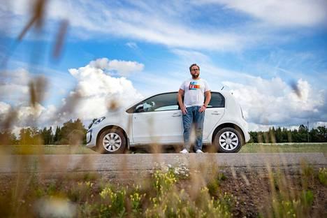 Kesämmällä saimme lukea, kuinka toimittaja Harri Vallin ja hänen VW e-Up!-sähköautonsa tekivät 1600 kilometrin kesälomareissun Nakkilasta, Kokkolan, Kajaanin, Kuopion ja Lieksan kautta takaisin Nakkilaan.