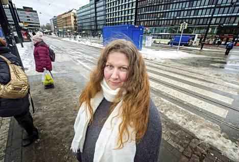 – Kun on ilmoitettu pitkästä lakosta, niin työntekijöiden täytyy tulla jollain tavalla toimeen, Posti- ja logistiikka-alan unioni Pau:n puheenjohtaja Heidi Nieminen toteaa.