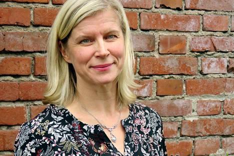Oulun yliopiston Martti Ahtisaari -instituutissa työskentelevä Anne Keränen muistuttaa, että uudenlainen, osallistava ja vastuuta jakava johtamistapa voi olla aluksi vaikea pala myös henkilöstölle.