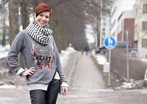 Laulaja Heidi Kyrö ura lähti nousuun, kun hän sijoittui toiseksi 15-vuotiaana Seinäjoen Tangomarkkinoilla vuonna 1993. Tänä päivänä Kyrö asuu Hämeenlinnassa.