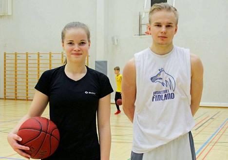 Jutta Talvitie ja Waltteri Mäkelä treenasivat Nokianvirran ja Nokian lukion yhteisissä harjoituksissa. Opiskelijat harjoittelevat yhdessä ohjatuissa lajiryhmissä. Koripallon valmennustiimi tulee BC Nokiasta, salibandyn KrP:stä, jääurheilun HC Nokiasta ja jalkapallon NoPs:sta.