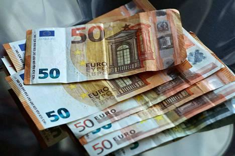 Kokemäen kaupunginhallitus edellyttää osastojensa etsivän runsaan viikon aikana vielä noin  200 000 euron säästöt.