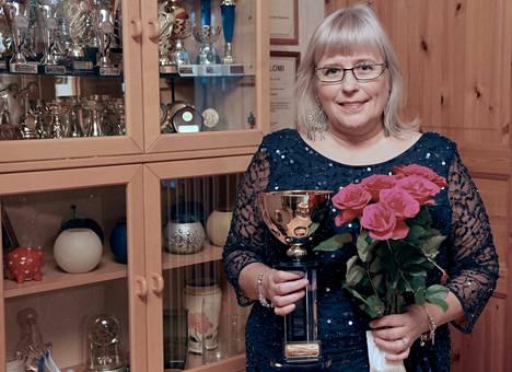 Vilppulalainen Kirsi Hellstén on Seniorilaulun Suomenmestari.