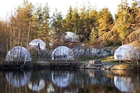 Ympäristöviranomaisen mielestä leirintäalue rajoittaa suositun uimakuoppa-alueen vapaata käyttöä.
