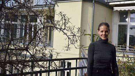 """""""Näemme Saksassa, että autoteollisuudella on suuri vaikutusvalta politiikkaamme, mikä taas näkyy viime vuosien liikenteeseen liittyvissä päätöksissä"""", sanoo ympäristö- ja kuluttajansuojajärjestö Deutsche Umwelthilfen varapuheenjohtaja Barbara Metz. Hänet kuvattiin Berliinissä 22. syyskuuta."""