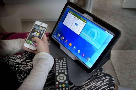 Perheissä on monesti samaan aikaan päällä monta laitetta, jotka käyttävät samaa verkkoyhteyttä.