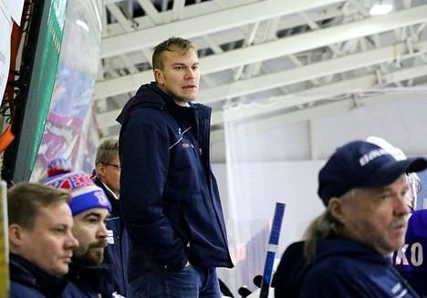 Mikko Heiskasen ilme KeuPa HT:n vaihtoaitiossa alkaa käydä vakavaksi. Viimeisessä neljässä ottelussa joukkue on tehnyt vain yhden osuman per peli.
