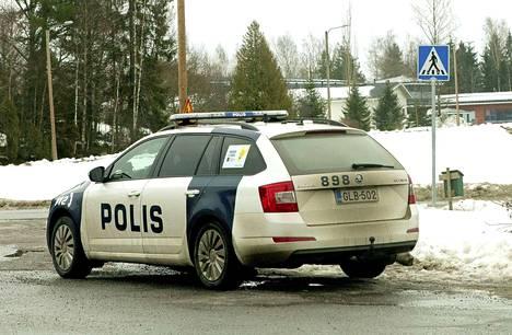 Viime aikoina ulkomaalaistaustaisien henkilöiden tekemät useat rikossarjat huolestuttaa poliisia.