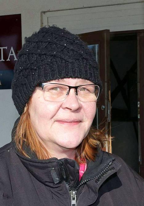 Margot Holm kävi maanantaina tyhjentämässä tavaraa ravintolasta.