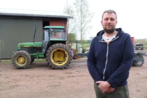 Samuli Kujansuusta piti tulla isona maatalousyrittäjä tai kokki. Nyt hän tekee kumpaakin työtä.
